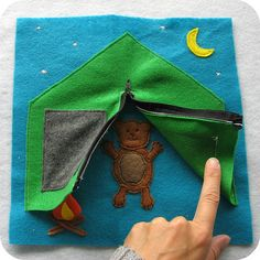 Sewing Projects Felt quiet book for for boys. - Quiet books can sometimes be a life saver for parents when those busy little hands just don't want to color another picture or read another story. These soft little books are not only fun fo… Diy Quiet Books, Baby Quiet Book, Felt Quiet Books, Book Projects, Sewing Projects, Craft Projects, Silent Book, Sensory Book, Fidget Quilt