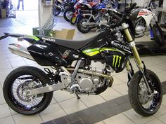 Suzuki DRZ 400 SM monster energy plastics