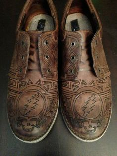 Customized men's grateful dead leather shoes by GratefullyCrafted
