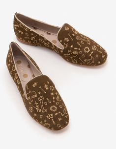 Elsie Embroidered Slippers Flats at Boden Dress Shoes, Shoes Heels, High Heels, Flats, Sandals, Professional Attire, Party Shoes, Golf Shoes, Loafers
