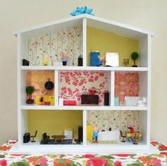 Five ways to wallpaper a doll house