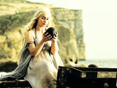 khaleesi and the egg