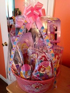 basket ideas for men Disney Princess Easter Basket made by me Baby Easter Basket, Easter Gift Baskets, Frozen Gift Bags, Barbie Princess, Disney Princess, Fundraiser Baskets, Themed Gift Baskets, Easter Crafts For Kids, Craft Stick Crafts