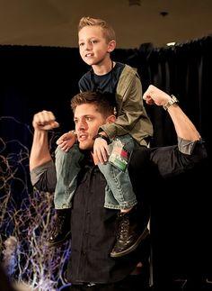 Image via We Heart It https://weheartit.com/entry/171405831 #deanwinchester #Hot #JensenAckles #spn #supernatural