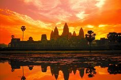 Explore the beautiful temples of Angkor Wat on a trip to Cambodia, Vietnam & Laos!