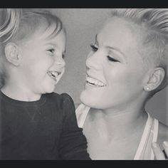 Mommy and daughter #WillowSageHart #AleciaMoore #p!nk