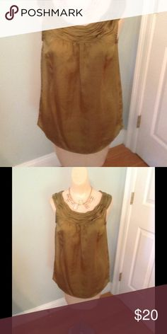 Ann Taylor loft top. This beauty looks great w jeans and boots. High heels or dress for work. Ann Taylor loft Tops
