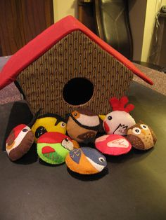 Play birdhouse and felt birds - front view | For Christmas l… | Flickr