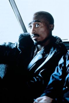 The realest people don't have a lot friends. Thug 4 Life, 2pac Music, Best Rapper Ever, Tupac Makaveli, Old School Music, True Legend, Hip Hop And R&b, Tupac Shakur, Baby Daddy