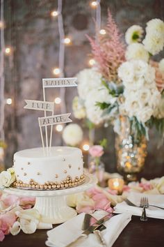 Create a cake unique as your relationship - cute cake topper ideas!