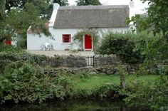 Self catering holiday cottages in Donegal, Ireland. A wide selection of holiday home providers throughout county Donegal Cute Cottage, Irish Cottage, Old Cottage, Cottage Style, French Cottage, Cottage Homes, Emerald Isle Ireland, Self Catering Cottages, Cabins And Cottages