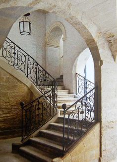 Eye For Design: Quaint And Elegant Stone Stairways Interior Garden, Interior And Exterior, Interior Ideas, Interior Design, Beautiful Space, Beautiful Homes, Architecture Design, Take The Stairs, Stairway To Heaven