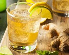 How to Make Super Healthy Ginger Ale Drink for Days without Diseases? Enjoy your healthy ginger ale drink and its benefits daily! Making Ginger Beer, Homemade Ginger Beer, Healthy Detox, Healthy Drinks, Healthiest Drinks, Bbq Drinks, Healthy Lemonade, Tequila Drinks, Healthy Fit