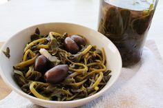 Πώς να φτιάξετε γλιστρίδες τουρσί - In Whirl of Inspiration | blogs @ γαστρονόμος Greek Recipes, Spaghetti, Beans, Food And Drink, Vegetables, Cooking, Ethnic Recipes, Desserts, Jar