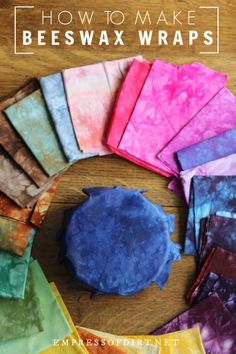 A complete step-by-step guide to make beeswax wraps: a sustainable alternative for wrapping lunch foods and covering leftovers in the fridge. gifts How to Make Eco-Friendly, Long-Lasting Beeswax Food Wraps Pot Mason Diy, Mason Jar Crafts, Diy Projects To Try, Sewing Projects, Craft Projects, Diy Beeswax Wrap, Bees Wax Wraps, Bees Wax Wrap Diy, Bees Wrap