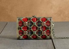 Chanel clutch -  Minaudiere in tartan and metal in DESRUES ornaments. #fashion #clutch #couture #scottish