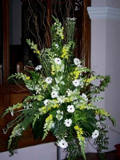 contemporary flower arrangements for church Altar Flowers, Church Flowers, Funeral Flowers, Yellow Flower Arrangements, Contemporary Flower Arrangements, Flower Crown Wedding, Wedding Flowers, Memorial Flowers, Sympathy Flowers