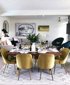 Get inspired by these dining room decor ideas! From dining room furniture ideas, dining room lighting inspirations and the best dining room decor inspirations, you'll find everything here! Dining Room Walls, Dining Room Lighting, Dining Room Design, Dining Room Furniture, Modern Furniture, Luxury Furniture, Furniture Ideas, Table Lighting, Ceiling Lighting