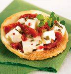 Mini-pitas au fromage feta et aux tomates séchées #recette #bouchee