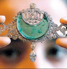 "anita delgado crescent moon emerald tiara. reminds me of ""Mists of Avalon"" blue crescent priestess symbol"