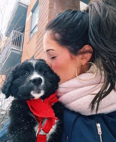 Chien Mira, Emma Verde, Pretty, Dogs, Cute, Youtube, Dog Baby, Animaux, Color