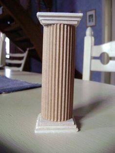 column plant holder - corrugated cardboard and 6 wooden squares.