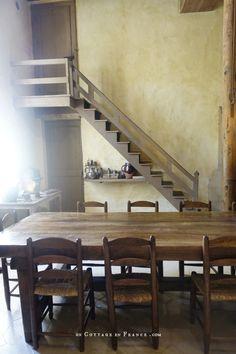 La table de cuisine de Nohant, Maison de George Sand en Berry George Sand, Greige, Cottage, Country Living, French Country, Berries, Conference Room, Stairs, Literatura