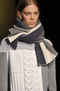 Inspiration ~ Prabal Gurung Fall 2014.  This is a beautiful scarf and the textural stitches really interesting ....... would be a great exercise to achieve on the machine!