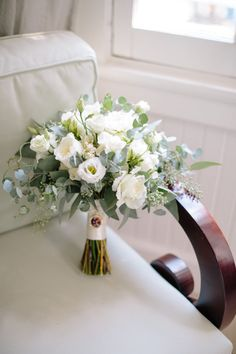 Small Wedding Bouquets, White Wedding Flowers, Wedding Flower Arrangements, Bride Bouquets, Bridal Flowers, Flower Bouquet Wedding, Floral Wedding, Floral Arrangements, Wedding Planning