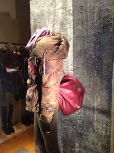 MARCO LONGONI | via Plinio   #ShopWindows #latendamilano #boutique #fall13 #FW13 #womenswear #MadeinItaly Shop Windows, Boutique, Shopping, Store Windows, Boutiques
