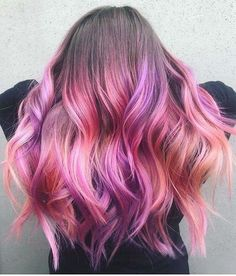 The ombre hair trend has been seducing for some seasons now. More discreet than tie and dye, less classic than sweeping, this new technique of hair. Hair Color Purple, Hair Dye Colors, Cool Hair Color, Hair Color For Kids, Red Pink Hair, Unicorn Hair Color, Grey Balayage, Blonde Ombre Hair, Mermaid Hair