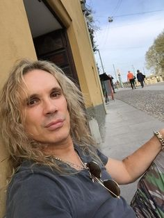 """steelpantherband: """" Michael Starr on Twitter """"Shopping in Milan. My legs are killing me. Had to sit down. Someone just gave me a euro lol."""" """" Steel Panther Steel Panther, 80s Hair Bands, Ol Days, Gorgeous Men, Euro, Musicians, Milan, Forget, Couple"""