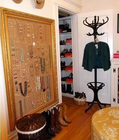 Repurpose Frames - Cork Board. Wow, that's a really big jewelry board, I love it!