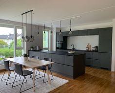 #kvik #kvikkitchen #kitchendesign #danishdesign #interiordesign #home #interior #kitcheninspiration #newkitchen #cooking #kitchenisland