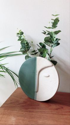 Relief, Deco Table, Decoration, Planter Pots, Home Decor, Other, Round Vase, Green Wall Color, Nice Flower