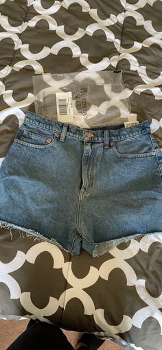 New Denim shorts High waist Size: 31 Pink Shorts, Denim Shorts, Lisa Wilkinson, Athletic Women, High Waisted Shorts, Vs Pink, Super Cute, Brand New, Fashion
