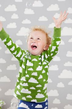 Farg Form Moln Cloud baby and children clothing, available in green, pink, blue, black, red and grey at Northlight Homestore