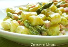 gnocchetti con crema di asparagi e prosciutto The recipe is in Italian but full pf photos and so easy. Fast And Slow, Italian Pasta, Homemade Pasta, Pasta Dishes, I Foods, Italian Recipes, Good Food, Veggies, Food And Drink