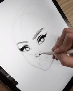 ASMR Sketching on Procreate by AlicjaNai Brushes: ✏️Sketchy Brush Set✏️ You can get all my brush sets on my website Digital Painting Tutorials, Digital Art Tutorial, Art Tutorials, Eye Drawing Tutorials, Digital Paintings, Drawing Techniques, Drawing Tips, Art Drawings Sketches Simple, Pencil Art Drawings