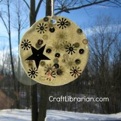 white-glue-window-moon Kittens First Full Moon, Moon Crafts, Holiday Crafts, Holiday Decor, Craft Activities, Art For Kids, Tuesday, Arts And Crafts, Window