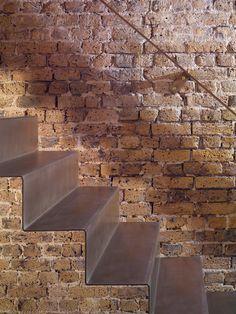 Lansdowne Drive staircase by Bell Phillips Architects WABi SABi DiAiSM  ATELIER DIA  TJANTeK ArT SPACE  TJANN  ACQUiRE UNDERSTANDING