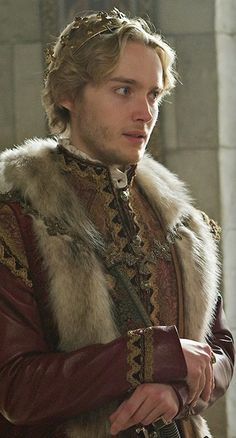 Photos and videos by Reign Writers ( Toby Regbo Reign, Serie Reign, Reign Mary, Reign Dresses, Mary Stuart, Malec, The Cw, Narnia, Tv Series