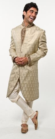 sherwani falls well below the knees, and looks elegant especially if the groom is tall.