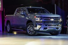 2018 seems to be a year of powerful full-size trucks to dominate at the current Detroit Auto Show – along with the 2019 Ford Ranger and the 2019 RAM 1500, now GM introduced the latest version of its top-selling models, Silverado pickups.
