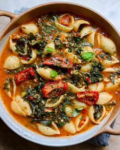 Sun Dried Tomato and Kale Pasta Soup - Lucy & Lentils Kale Pasta, Pasta Soup, Vegan Recipes Easy, Gluten Free Recipes, Pasta Recipes, Soup Recipes, Sun Dried, Lentils, Fall Dinner Recipes