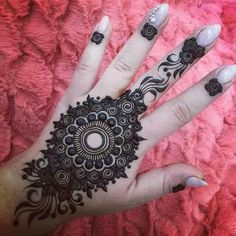 New Rakshabandhan Mehndi Designs For 2019 - Buy lehenga choli online Mehndi Tattoo, Henna Tatoos, Mehandi Henna, Jagua Henna, Henna Ink, Henna Tattoo Designs, Mehndi Art, Tattoo Ideas, Eid Mehndi Designs