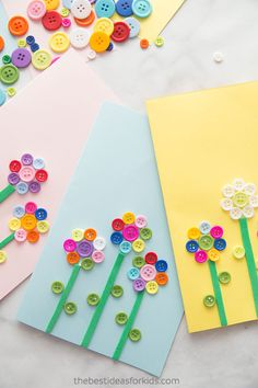 Kids Crafts Flower Button Cards - these cards are perfect to make for Spring or Mother's day! Button Crafts For Kids, Mothers Day Crafts For Kids, Crafts For Teens To Make, Fun Crafts For Kids, Craft Activities For Kids, Cute Crafts, Toddler Crafts, Preschool Crafts, Art For Kids