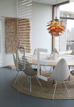Dining Room ǁ Fritz Hansen products: Drop™ chair by Arne Jacobsen