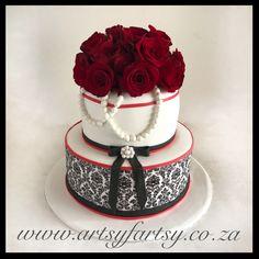 Black, White and Red Rose Cake Bird Cakes, Cupcake Cakes, Cupcakes, Rose Cake, Red Roses, Butterflies, Black White, Birds, Lady