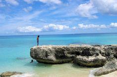 Près de Nouméa, en Nouvelle Calédonie, la plage de Dhrelu. © Karl LEMMET